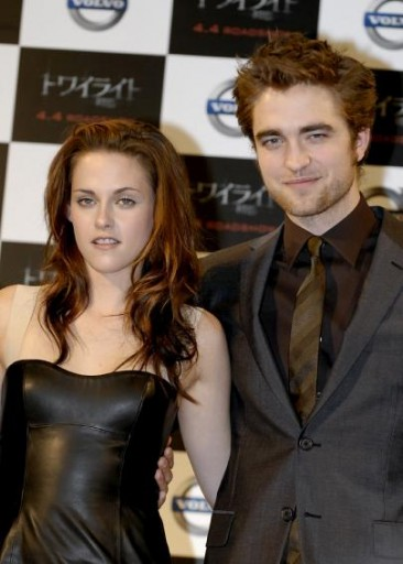 robert_pattinson_kristen_stewart